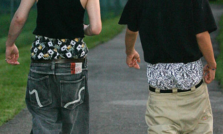 Young-men-in-sagging-trou-007